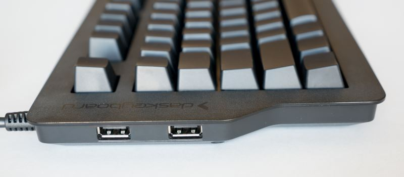 USB-Port-On-Keyboard